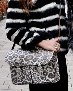 Shoulder bag with animal print