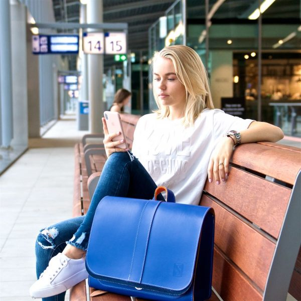 Leather backpack in blue / cobalt blue