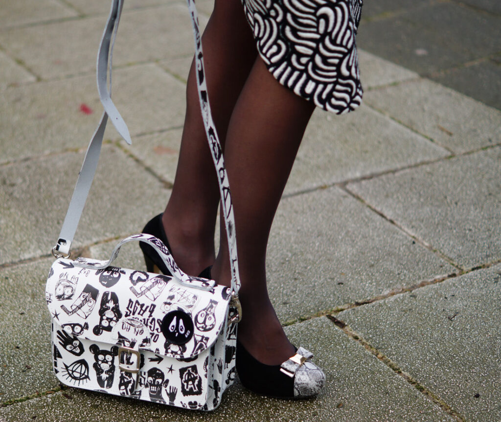 Fashion blogger Suzanne Bavinck met Bas Koster tas (model 'Dark Side')